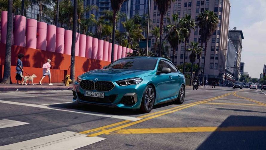 BMW 2er Gran Coupé, blau, Ansicht von vorne